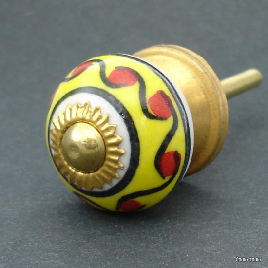 Úchytka žlutobílá s ornamentem 3 cm
