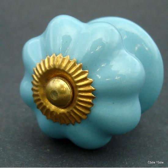 Úchytka světle modrá 4 cm