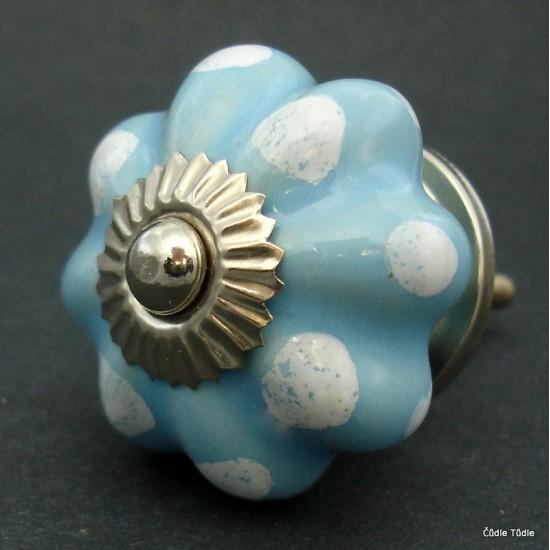 Úchytka světle modrá 4,2 cm