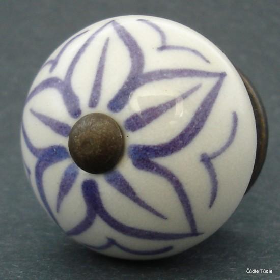 Nábytková úchytka bílá s fialovým ornamentem 4 cm - knopka