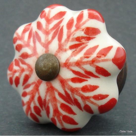 Nábytková úchytka bílá s červeným ornamentem 4,2 cm - knopka