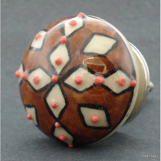 Nábytková úchytka hědá s reliéfními tečkami na krémovém podkladu 4 cm - knopka