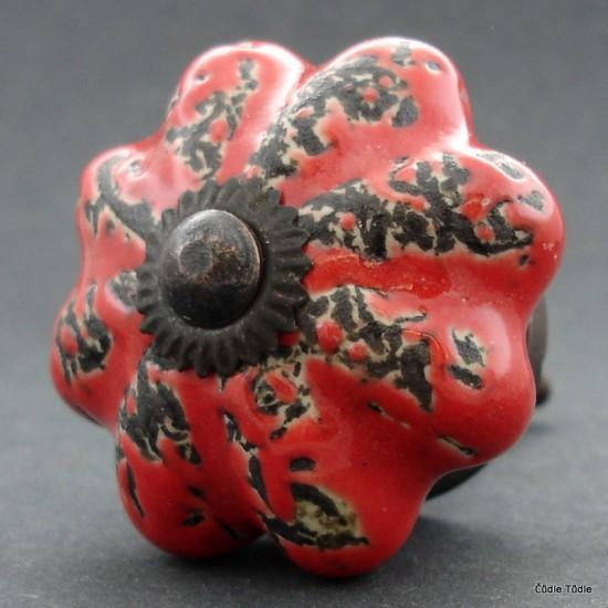 Nábytková úchytka červená s patinou 4,5 cm - knopka