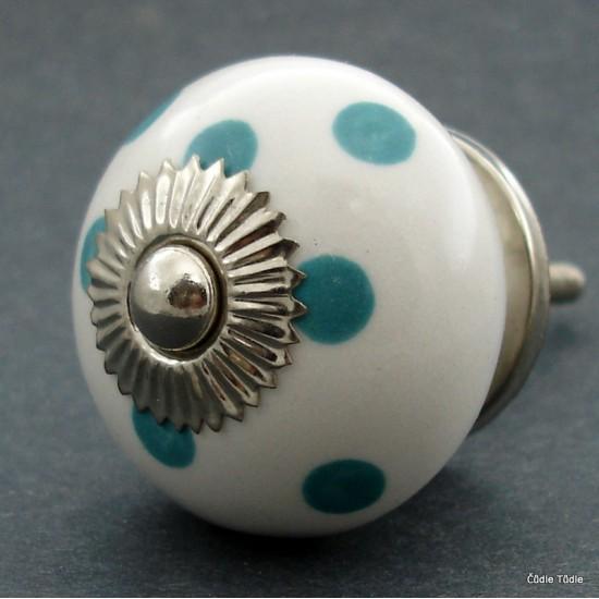 Nábytková úchytka  bílá zelenomodrými puntíky 4 cm - knopka