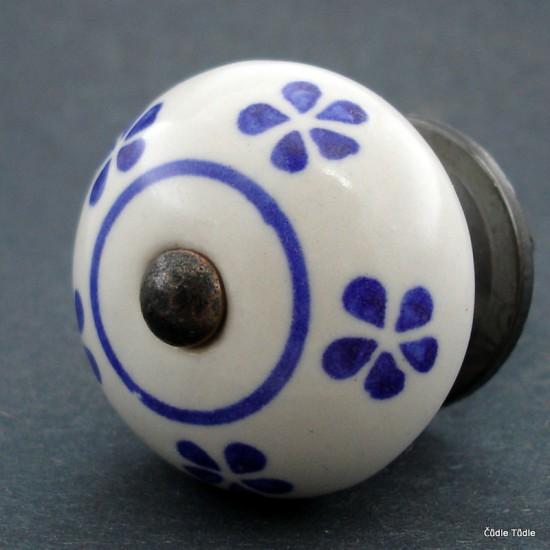 Nábytková úchytka bílá s modrými kvítky 4 cm - knopka