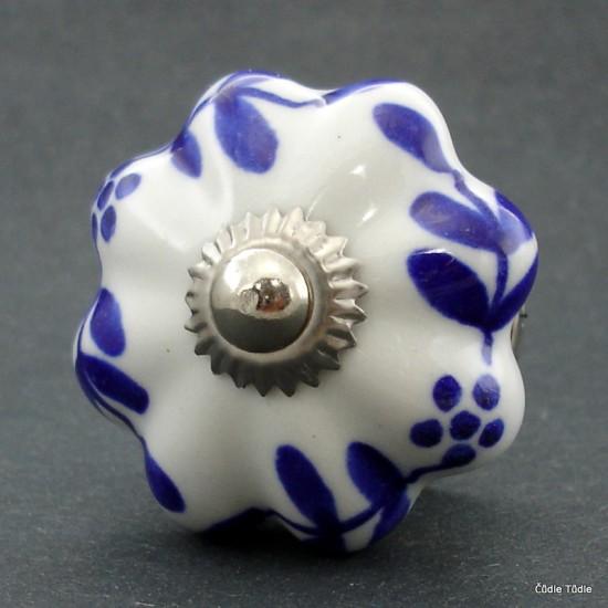 Nábytková úchytka bílá 4,5 cm - knopka