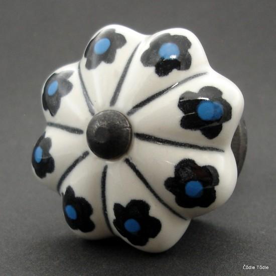 Nábytková úchytka bílá s černými kvítky 4,5 cm - knopka