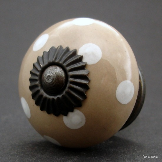 Nábytková úchytka moka hnědá s bílými puntíky 4 cm - knopka
