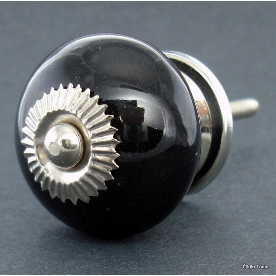 Úchytka černá 3,7 cm