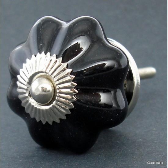 Úchytka černá 4,2 cm